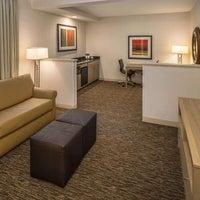 Foto diambil di DoubleTree by Hilton Hotel Vancouver, Washington oleh Yext Y. pada 1/19/2018