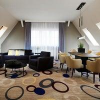 Das Foto wurde bei Sheraton Hannover Pelikan Hotel von Yext Y. am 1/29/2017 aufgenommen