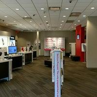 Photo taken at Verizon by Yext Y. on 10/11/2016