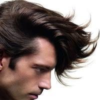 Foto scattata a Alessandro Hair Studio da Yext Y. il 3/8/2017