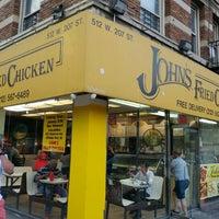 5/28/2016에 Sean B.님이 John's Fried Chicken에서 찍은 사진