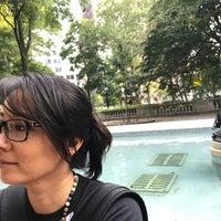 Foto tomada en Rittenhouse Square Fountain por Traci K. el 8/17/2017