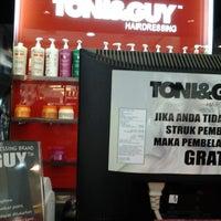 Photo taken at Toni & Guy Kelapa Gading 3 by dheia m. on 5/12/2013