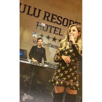 4/23/2018 tarihinde Arzu B.ziyaretçi tarafından Ulu Resort Hotel Night Club'de çekilen fotoğraf