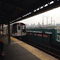 Photo taken at MTA Subway - Queensboro Plaza (N/W/7) by Matthew on 8/1/2013