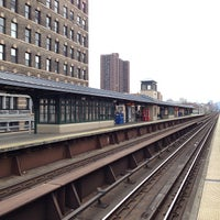 Photo taken at Metro North - Harlem - 125th Street Station by Matthew on 10/19/2013
