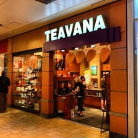 Photo taken at Teavana by Kenny H. on 3/28/2013