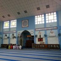 Foto tomada en Masjid Al-Hikmah Tanjung Lumpur por wahirahim el 6/17/2014