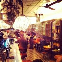 11/29/2013 tarihinde Alex L.ziyaretçi tarafından Toto Restaurante & Wine Bar'de çekilen fotoğraf