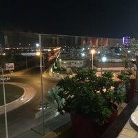 Foto tirada no(a) Shababik Restaurant por Suzan S. em 8/8/2014