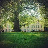 5/19/2013 tarihinde Matasziyaretçi tarafından Schlosspark Niederschönhausen'de çekilen fotoğraf