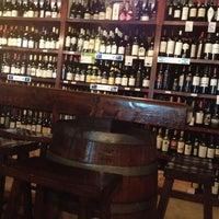 Foto tomada en El Carajo Tapas and Wine por Marlene D. el 9/16/2012