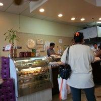 Photo taken at Manila Fast Food & Desserts by Joseph Q. on 3/15/2015