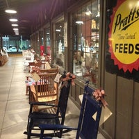 Photo taken at Cracker Barrel Old Country Store by Smokinronnie H. on 3/6/2013
