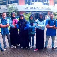 Photo taken at Fakultas Perikanan dan Ilmu Kelautan (FPIK) by Febby Hadi S. on 12/20/2016