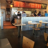 Photo taken at Chipotle Mexican Grill by Carlie H. on 6/1/2016