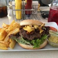 Das Foto wurde bei Jones - K's Original American Diner von Ulf K. am 11/9/2016 aufgenommen