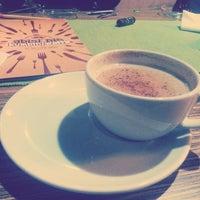 Photo taken at abisi'nin kumpir/waffle by Gökhan D. on 11/2/2014