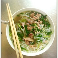 Photo taken at Phở Phú Gia by Long Đ. on 6/13/2014