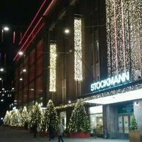 11/23/2012 tarihinde Alexander R.ziyaretçi tarafından Stockmann'de çekilen fotoğraf