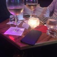 Foto scattata a B BAR at the Baccarat Hotel da Leena K. il 6/24/2017
