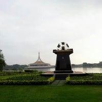 Das Foto wurde bei Suanluang Rama IX von tonalpha T. am 1/27/2013 aufgenommen