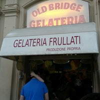 Foto scattata a Gelateria Old Bridge da Suemin S. il 9/12/2013