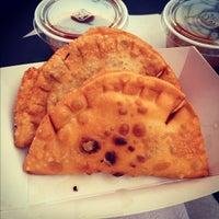 Photo taken at La Sonrisa Food Truck by Benedict C. on 10/9/2012