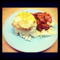 Photo taken at 同捞同煲小食店 by Jason K. on 12/4/2012