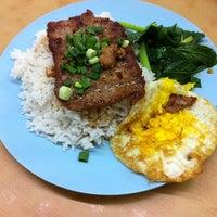 Photo taken at 同捞同煲小食店 by Jason K. on 11/21/2012