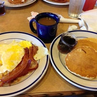 Photo taken at Bob Evans Restaurant by Wes C. on 10/13/2012