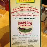 Foto tomada en Wild Willy's Burgers por Keith B. el 12/20/2012