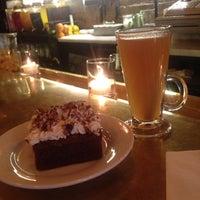 5/25/2013에 John A.님이 Oro Bakery and Bar에서 찍은 사진