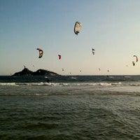 Foto tirada no(a) Praia do Pepê por Adriana P. em 12/25/2012
