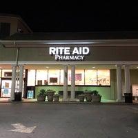Foto tirada no(a) Rite Aid por Carl B. em 4/17/2018