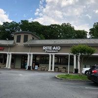 Foto tirada no(a) Rite Aid por Carl B. em 5/10/2018
