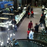 Foto scattata a Tiffany & Co. da Ritch P. il 11/26/2012