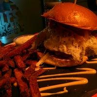 12/1/2015にJochen H.がDulf's Burgerで撮った写真
