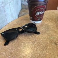 Foto diambil di McDonald's oleh Douglas G. pada 3/31/2014