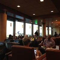 11/5/2012에 Bryan K.님이 Alaska Lounge에서 찍은 사진