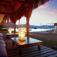 Foto scattata a Admiral Beach Hotel da Admiral Beach Hotel il 5/20/2015
