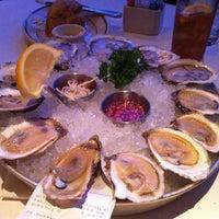 Das Foto wurde bei Oceanaire Seafood Room von Taylor N. am 1/5/2013 aufgenommen