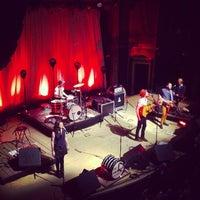 12/31/2012 tarihinde Rande K.ziyaretçi tarafından Ogden Theatre'de çekilen fotoğraf