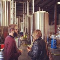 10/30/2013에 Rande K.님이 Modern Times Lomaland Fermentorium에서 찍은 사진