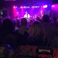 Снимок сделан в The Bodega Social Club пользователем Rande K. 11/8/2016