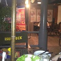 Foto diambil di Bulldog Bar & Grill oleh Andre C. pada 10/27/2012