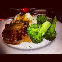 Photo taken at Outback Steakhouse by Kurt C. on 12/31/2013
