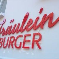 Das Foto wurde bei Fräulein Burger von Thom am 9/7/2013 aufgenommen