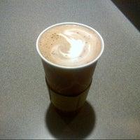 Das Foto wurde bei Starbucks von Daisy H. am 1/25/2014 aufgenommen