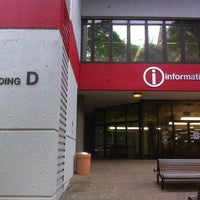 Photo taken at Sydney Institute TAFE, Ultimo College, Building D by Tengu T. on 2/12/2013